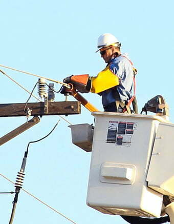 Abbigliamento di protezione di III Categoria contro il rischio Elettrico